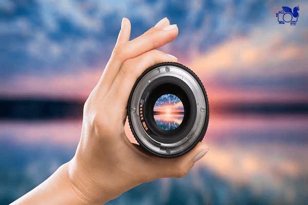 لنز دوربین از تجهیزات عکاسی مورد نیاز در سفر